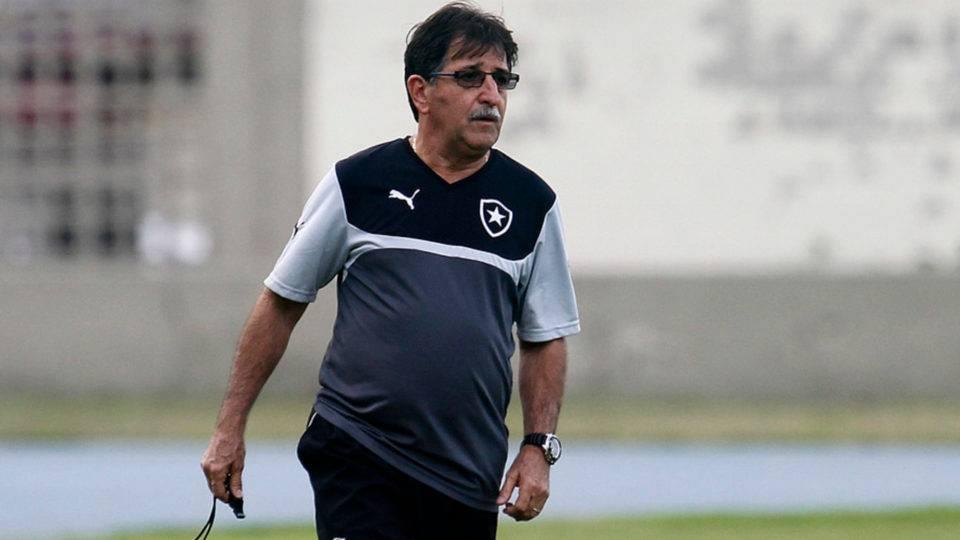 Ex-técnico do Coritiba, René Simões revela ter dado positivo para coronavírus
