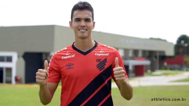 Felipe Aguilar se transforma na mais cara contratação da história do Athletico.