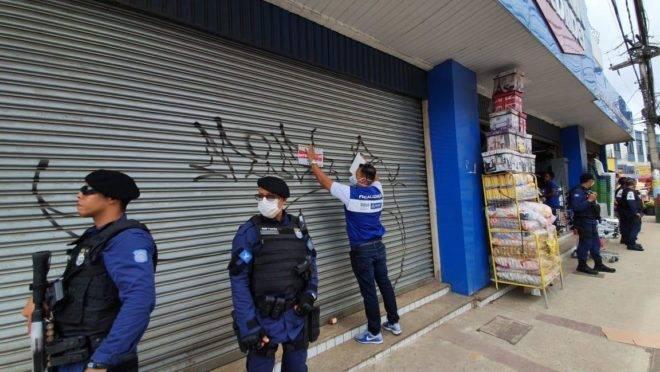 Prefeitura de Salvador fiscaliza cumprimento das medidas de isolamento social em pontos comerciais: capital baiana decretou estado de emergência em 18 de março.