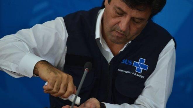 O ministro da Saúde, Luiz Henrique Mandetta: coletiva que atualiza dados sobre o coronavírus agora será feita sempre no Palácio do Planalto junto de outros ministros.