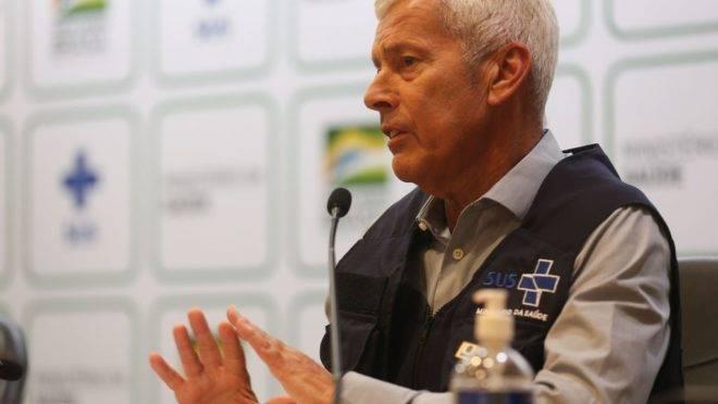 O secretário-executivo do Ministério da Saúde, João Gabbardo dos Reis, divulga dados atualizados sobre a situação do novo Coronavírus no país.