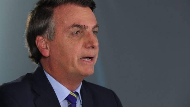 Jair Bolsonaro em pronunciamento no rádio e na televisão nesta terça-feira, 31 de março.