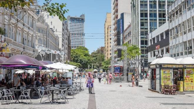 Rua XV de Novembro em Curitiba. Foto: Bigstock