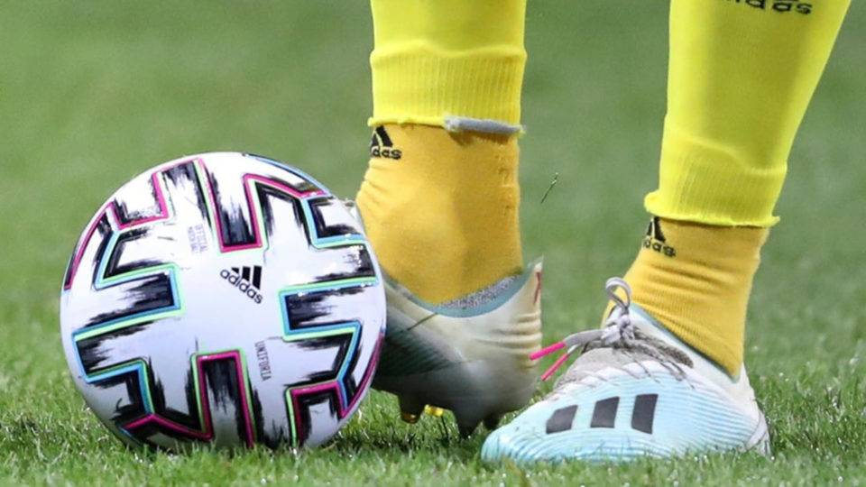 Todas as competições de futebol da Europa estão suspensas por tempo indeterminado