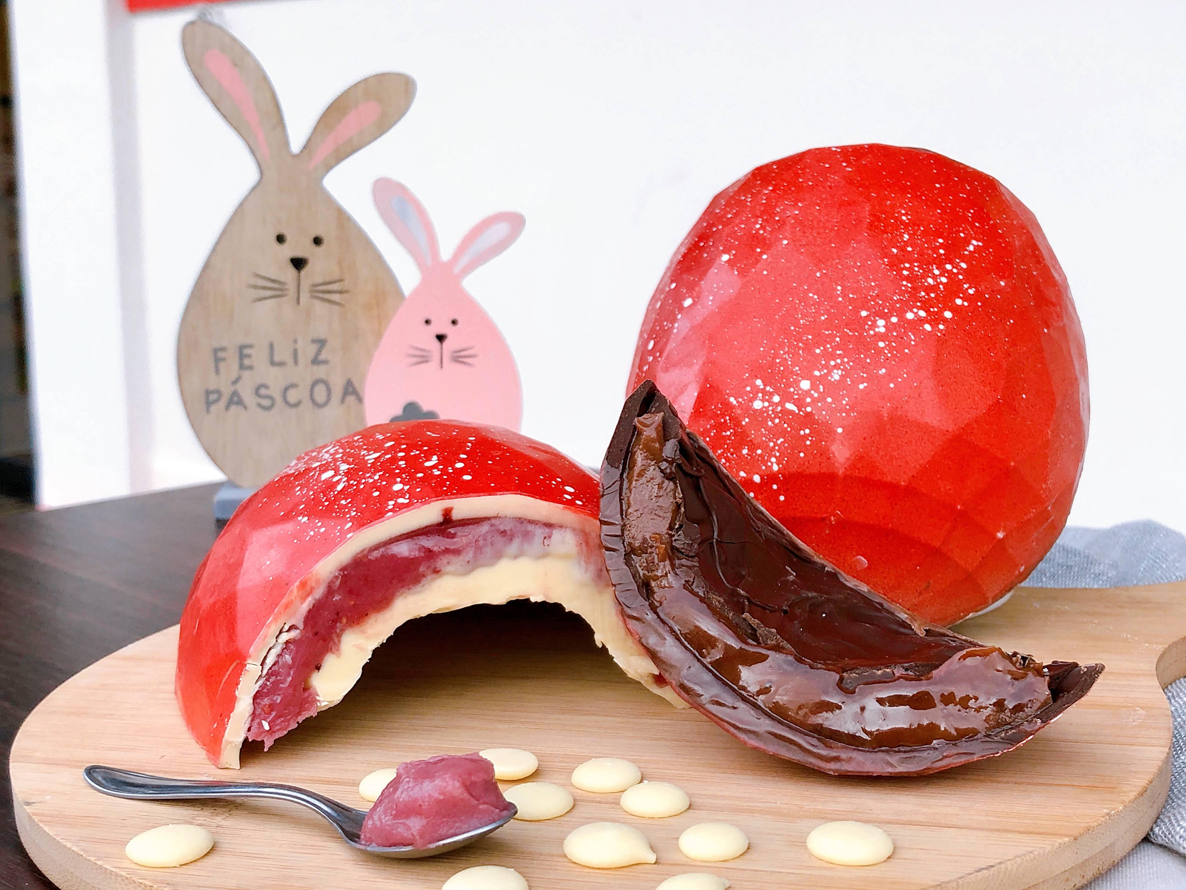 Ovo trufado da Sotile Pasticceria, famosa por seus entremets. Alguns sabores viraram ovos de Páscoa