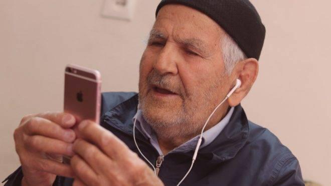 Atividades que estimulam a capacidade mental e a manutenção de interações sociais online ajudam a frear o desgaste cognitivo