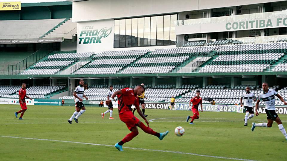 Coronavírus deveria levar o futebol a uma grande revolução
