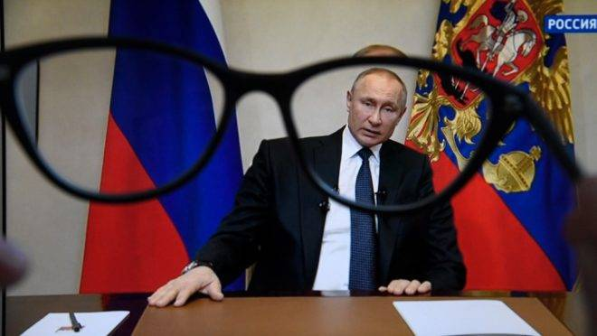 O presidente da Rússia, Vladimir Putin, faz pronunciamento à nação sobre pandemia de coronavírus, 25 de março de 2020