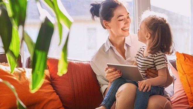 Televisão e celular não precisam ser apenas assistente para manter seu filho ocupado enquanto você dá conta do home office
