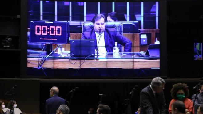 Presidente da Câmara, Rodrigo Maia, conduziu a sessão que aprovou a PEC do Orçamento de Guerra.