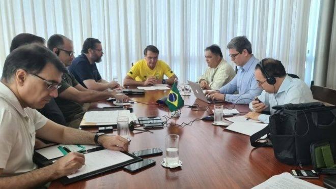 Bolsonaro divulgou foto da conversa que teve por telefone com o primeiro-ministro da Índia, Narendra Modi.
