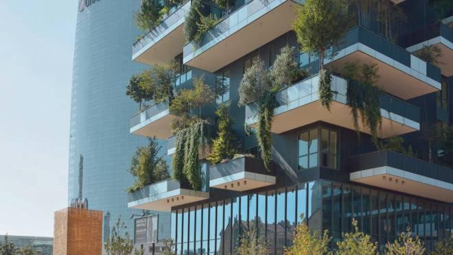 Bosco Verticale, em Milão: edifícios abrigam mais de 800 árvores de pequeno a grande porte.