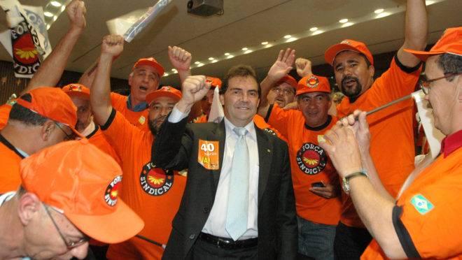 Deputado Paulinho da Força foi denunciado pelos crimes de corrupção passiva e lavagem de dinheiro.