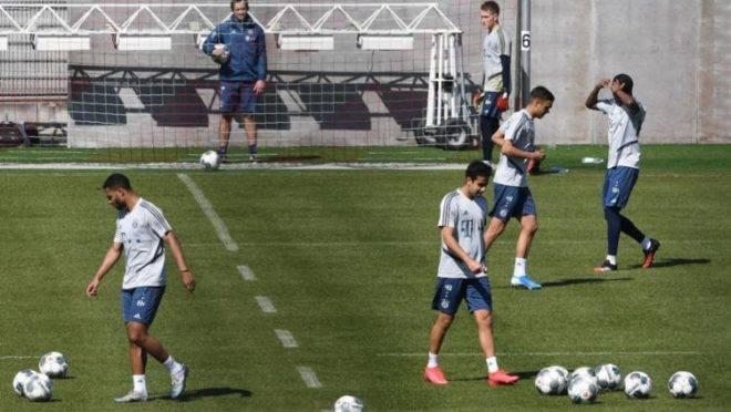Campeonato Alemão poderá retornar em maio com limite de 239 pessoas no estádio