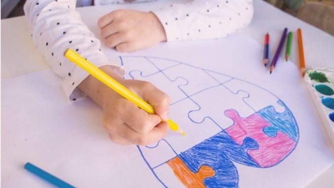 De que forma as famílias podem adaptar a rotina dos filhos com diagnóstico de TEA?