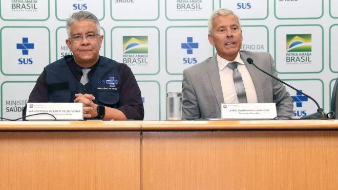 Equipe de Mandetta durante coletiva de imprensa: Wanderson e Gabbardo são dos técnicos mais chamados pelo ministro