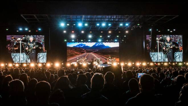 Show de Jon Bon Jovi na pedreira Paulo Leminski, em  setembro de 2019