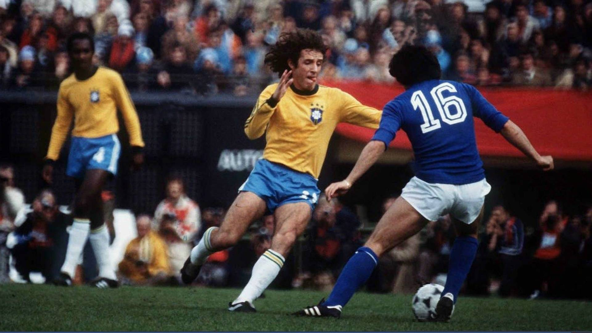 Dirceu em ação pela seleção brasileira. Foto: Reprodução