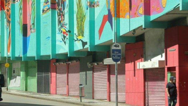 Lojas fechadas em Curitiba durante quarentena por coronavírus