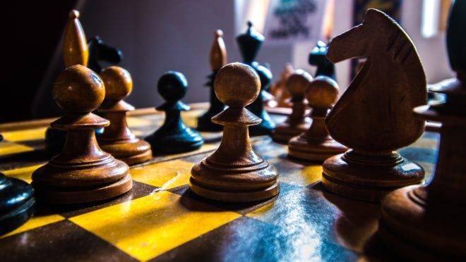 O tabuleiro de xadrez do coronavírus no Brasil