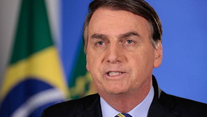 O presidente da República, Jair Bolsonaro, compartilhou vídeo em que critica as medidas de isolamento social