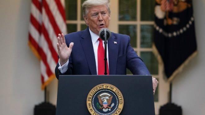 O presidente dos EUA, Donald Trump, em entrevista coletiva na Casa Branca, 14 de abril de 2020