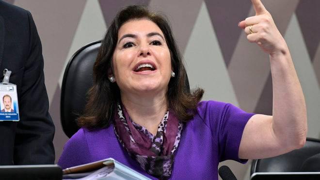 Senadora Simone Tebet (MDB-MS), é presidente da CCJ do Senado: ela quer que Congresso volte a ter sessões presenciais a partir de meados de maio.