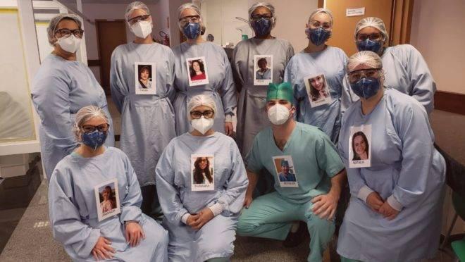 Equipe do Hospital do Trabalhador fazendo o registro dos retratos.