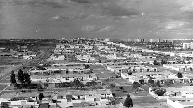 Brasília em 1964: cidade planejada, mas sem desenho urbano.