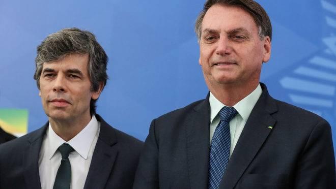 Bolsonaro quer que Teich mude protocolo da cloroquina da era Mandetta