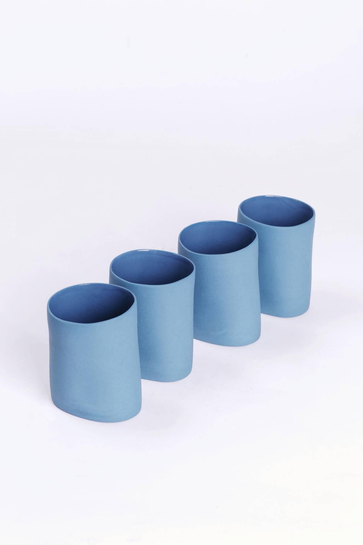 Copos assimétricos de porcelana