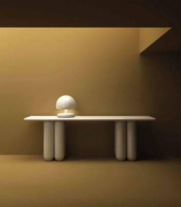 Luminária também funciona como cápsula sanitária para desinfetar objetos em 60 segundos. Foto: Divulgação