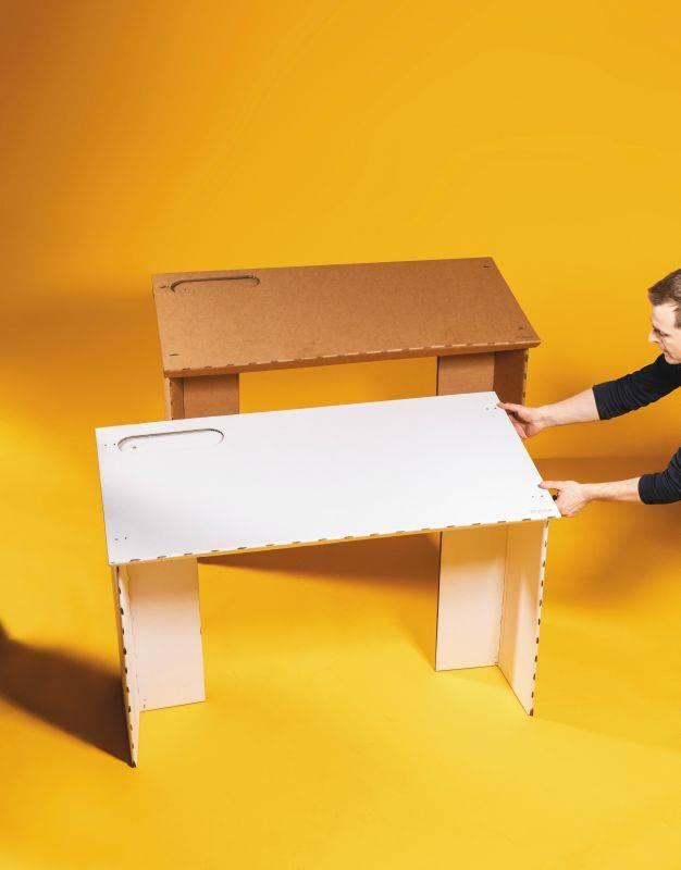A mesa de papelão desenvolvida pela Stykka tem projeto open source disponível para download. Foto: Divulgação