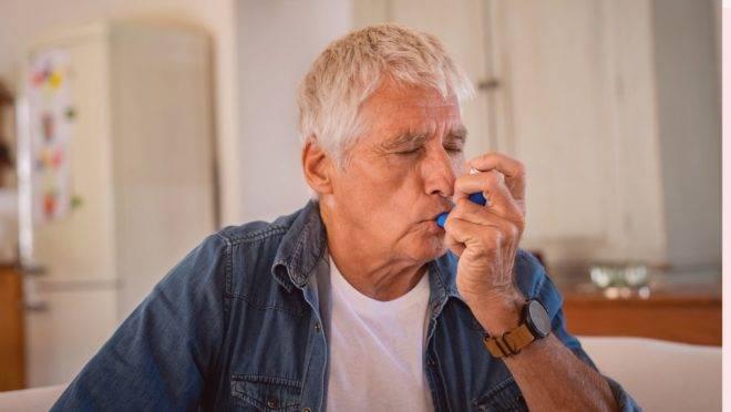 Infecções virais, como a do novo coronavírus, são causas frequentes das crises entre pessoas com a asma
