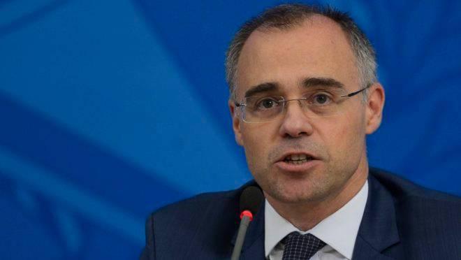 Ministro da Justiça e Segurança Pública, André Mendonça, repudiou artigo publicado pela Folha de São Paulo.