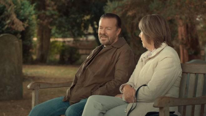 """""""After Life"""", série de Rick Gervais, parte de uma premissa extremamente sombria, mas, aos poucos, se rende ao espírito generoso da humanidade."""
