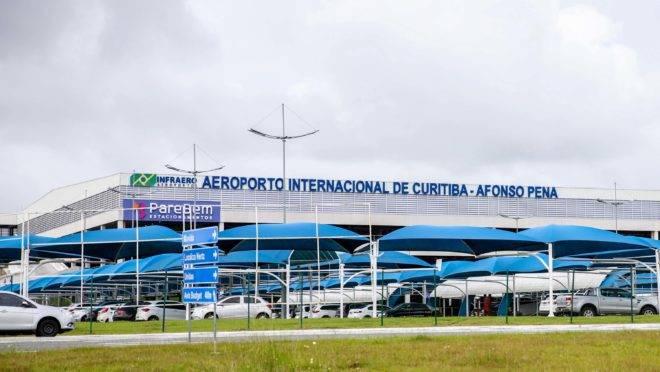 Aeroporto Internacional Afonso Pena, em SJP