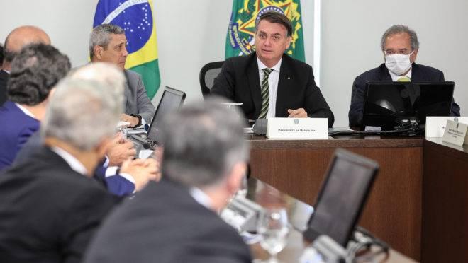 Bolsonaro e o ministro Paulo Guedes se reuniram com empresários antes de seguir para o STF