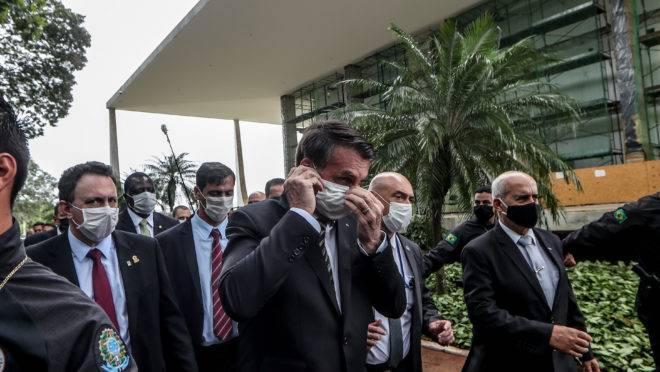 Bolsonaro já editou 43 medidas provisórias até abril de 2020, o mesmo que Dilma Rousseff (PT) editou em todo o ano de 2015.