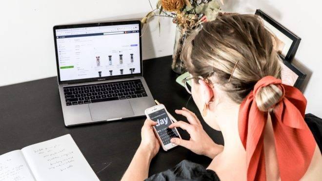 Comerciantes têm utilizado aplicativos de mensagens e plataformas de vouchers para realizar as vendas.