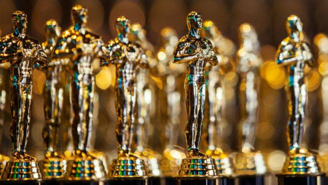 Com os cinemas fechados, os sucessos de bilheteria adiados e as produções interrompidas, é provável que o prêmio Oscar do próximo ano seja adiado.