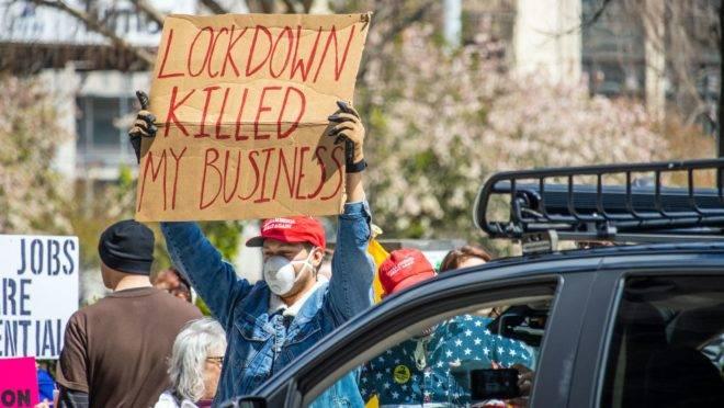 Protesto pela reabertura da economia, em Ohio (EUA)