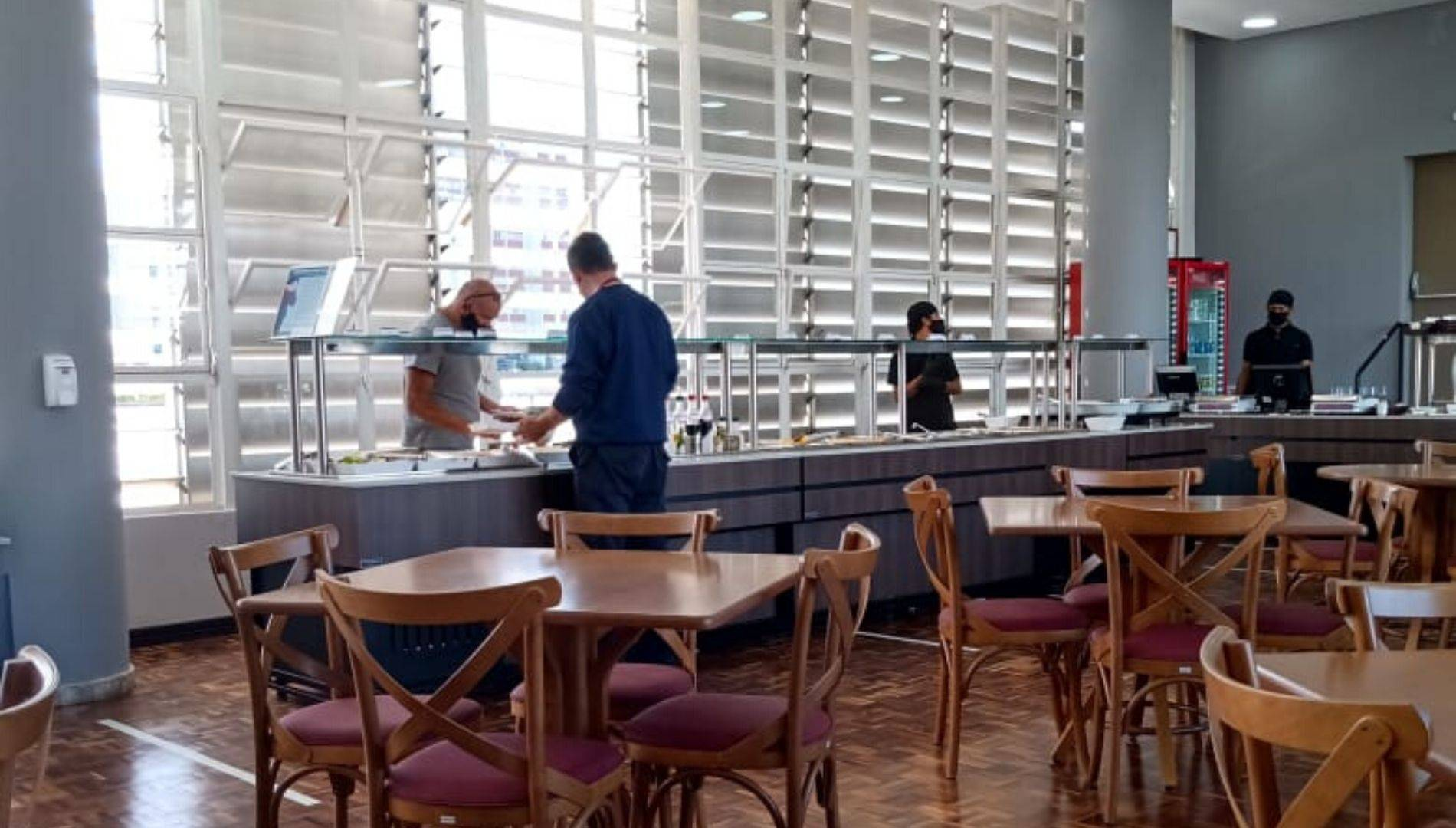 Restaurante da Assembleia Legislativa, ainda no sistema self service, em 12 de maio último.