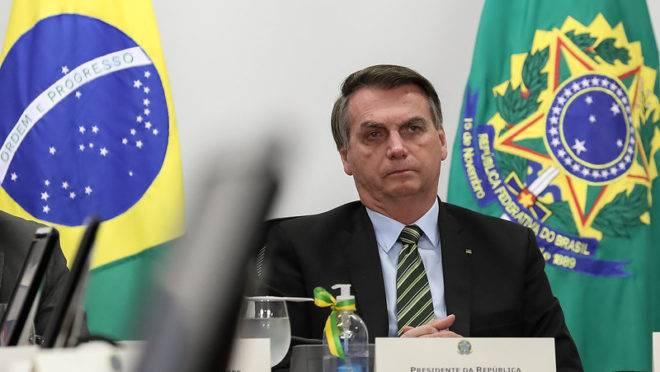 Presidente Jair Bolsonaro deve vetar a taxa de juros prevista no programa de crédito a microempresas. Equipe econômica considerou que o juro é muito baixo.