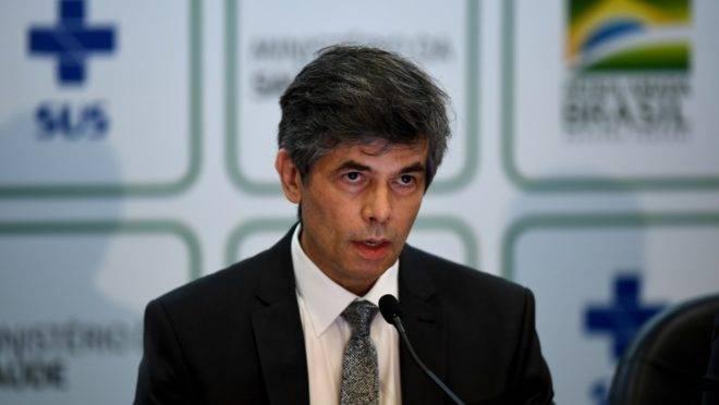 Nelson Teich fez rápido pronunciamento para comunicar sua demissão do Ministério da Saúde