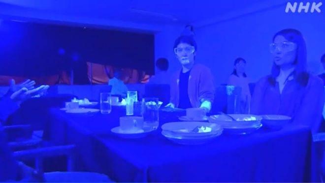 Experimento no Japão mostra como os vírus e outros micro-organismos se disseminam em ambientes como restaurantes