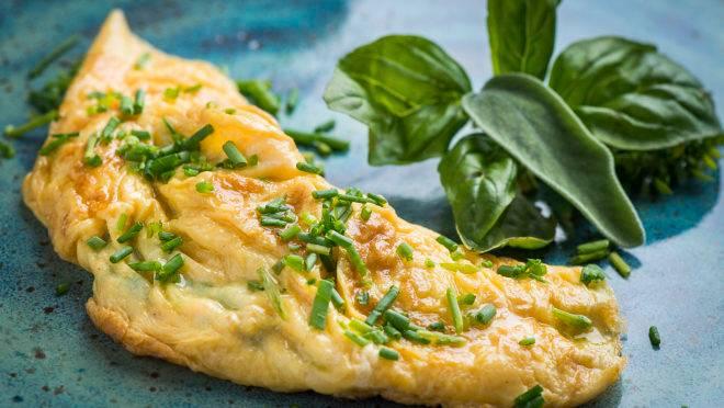 Omelete francesa.