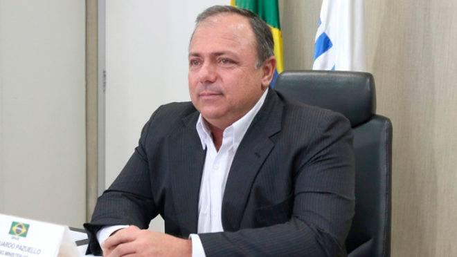 O ministro interino, Eduardo Pazuello.