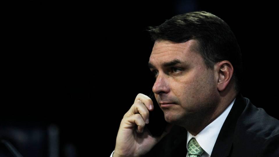 """Rede pede """"preferência"""" ao STF para pautar foro de Flávio Bolsonaro"""