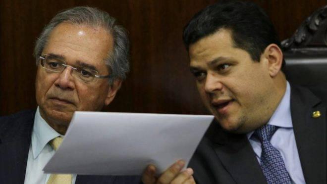 Aumento de salário de servidores: preocupação de Paulo Guedes
